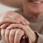How to Find an Experienced In-Home Caregiver for Your Loved One